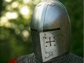 Rekonstrukce dobové helmy